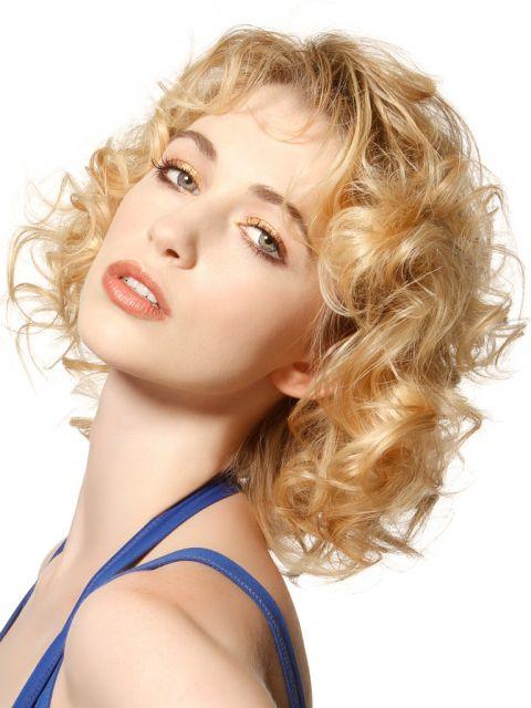 Unsere Top 25 Blonde Mittellange Frisuren Platz 19