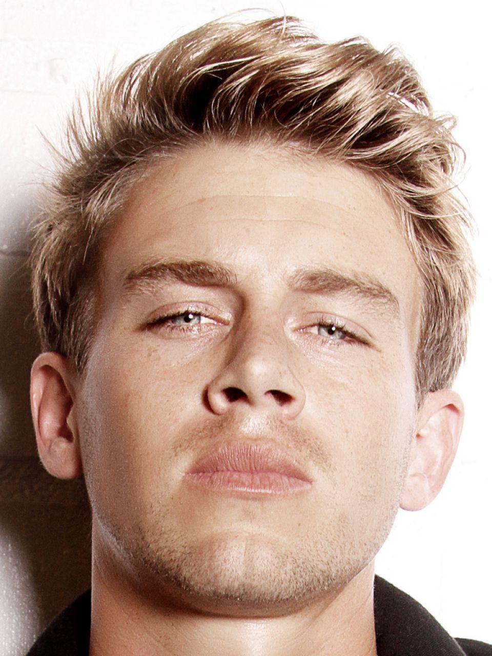 Blonde haare männer lange Hübsch Blonde
